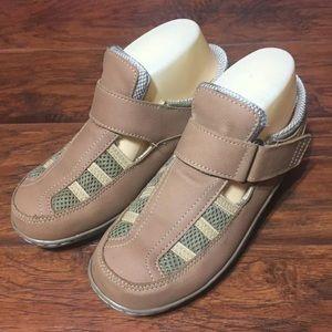 OrthoFeet Fisherman Tan Comfort Shoes Womens 6.5